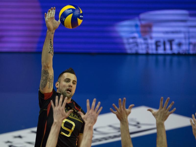 Volleyballer starten mit Pflichtsieg in Olympia-Quali