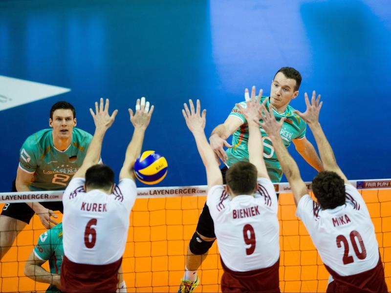 Deutsche Volleyballer schlagen Polen 3:2