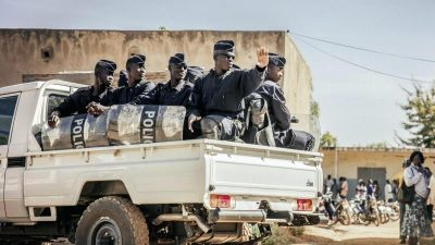 Live Ticker Terroranschlag in Burkina Fasos Hauptstadt: Geiseln und Tote – Dschihadisten melden 30 Todesopfer