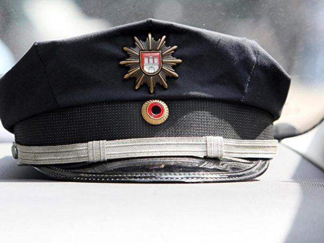 Bisher habe die Hamburger Polizei keine Hinweise darauf, dass der Beamte rechtes Gedankengut habe, heißt es. Foto: Bodo Marks/Archiv/dpa