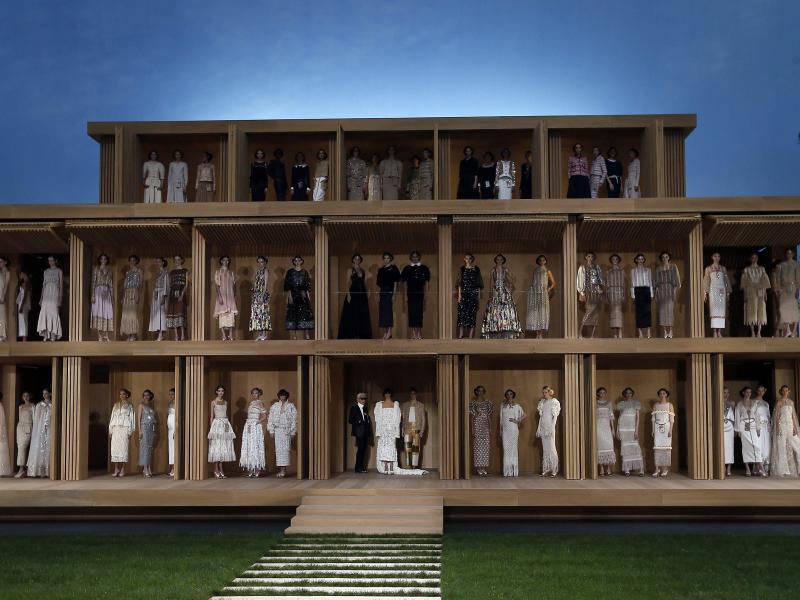 Lagerfeld schafft Klarheit bei der Haute Couture