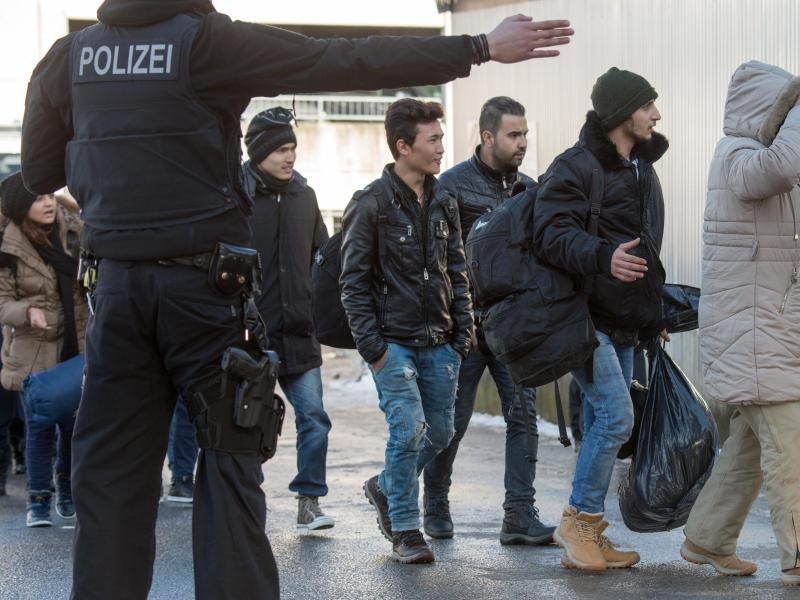 Asylpaket II: Spitzentreffen im Kanzleramt zur Flüchtlingskrise