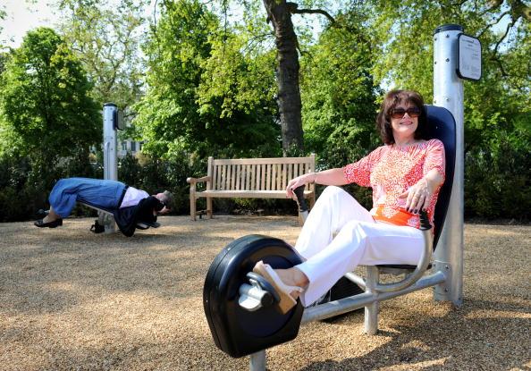 Senioren-Übungsplätze halten auch in den öffentlichen Parks von Deutschland Einzug. Foto: Adrian Dennis/AFP/Getty Images