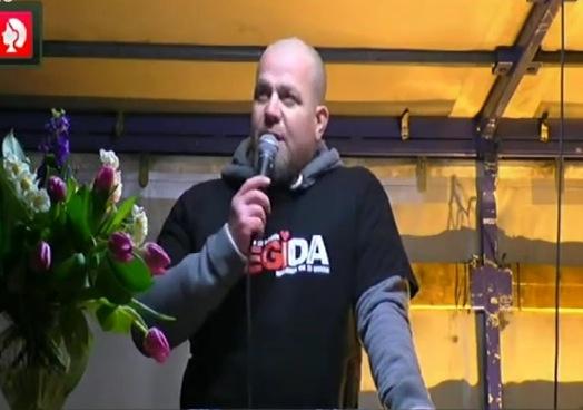 Siegfried Daebritz bei seiner heutigen Pegida-Rede. Foto: Screenshot / Youtube