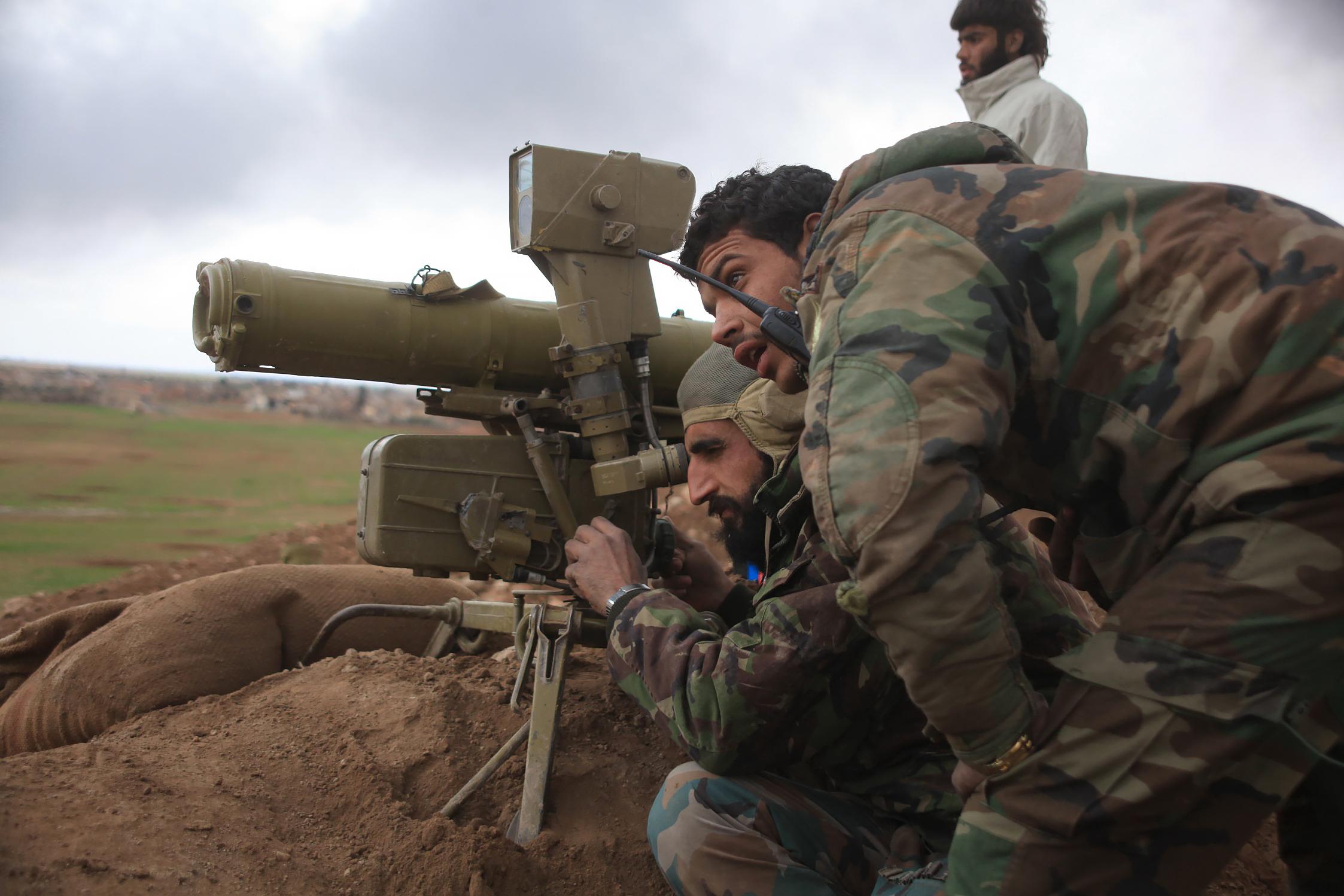 Aleppo: Syrien und Russland schneiden Rebellen von Hauptversorgung nach Türkei ab