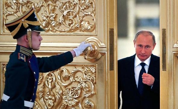 Wladimir Putin im Kreml Foto: YURI KOCHETKOV/Getty Images