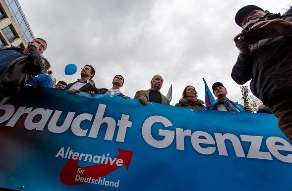 Alexander Gauland und Frauke Petry auf einer Demo in Berlin, November 2015 Foto: über dts Nachrichtenagentur