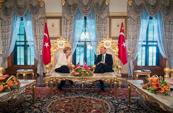 Angela Merkel und Recep Tayyip Erdogan im Präsidentenpalast in der Türkei Foto: Getty Images