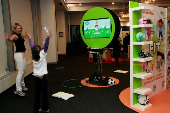 """New York 2010: Kinder nehmen bei der Einführung """"Fit für die Wii"""" durch Nickelodeon teil. Foto: Astrid Stawiarz/Getty Images for Nickelodeon"""