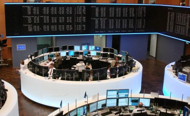 DAX lässt leicht nach – Euro tendiert schwächer