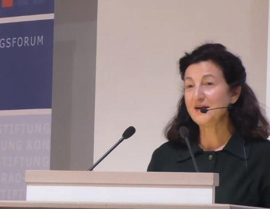 Dr. Necla Kelek ist Trägerin des Geschwister-Scholl-Preises, des Hildegard-von-Binge-Preises für Publizistik und des Freiheitspreises der Friedrich-Naumann-Stiftung Foto: Screenshot/Youtube