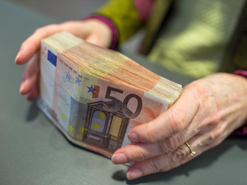 Neues Gesetz: 10.000 Euro – Bargeld-Obergrenze in Deutschland beschlossen