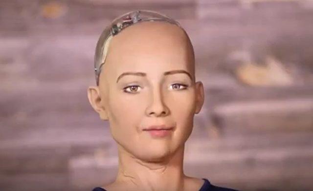 """Der humanoide Roboter """"Sophia"""" wurde vor kurzem auf CNBC vorgestellt. Foto: Screenshot / Youtube CNBC"""