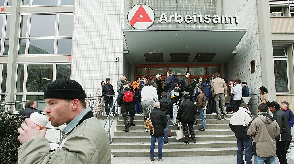 Geschönte Arbeitslosenzahlen: Statt 2,9 Mio. im Januar 4 Mio. ohne Arbeit