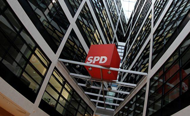 SPD-Logo im Willy-Brandt-Haus Foto: über dts Nachrichtenagentur