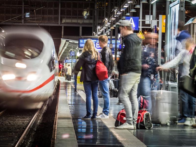 Deutsche Bahn 2015 mit Fahrgast-Rekord imFernverkehr