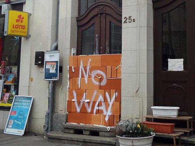 Bei dem Wahllokal handelt es sich um einen von 14 Orten, an denen Menschen ohne deutschen Pass am Freitag symbolisch ihre Stimme für eine Partei abgeben konnten. Foto: Andreas Manke/dpa