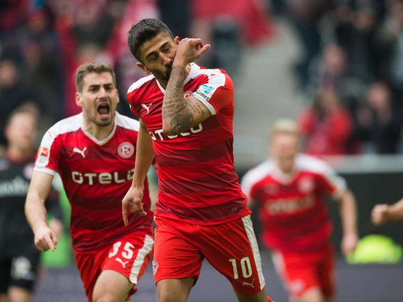 Düsseldorf siegt bei Funkel-Debüt – St. Pauli souverän