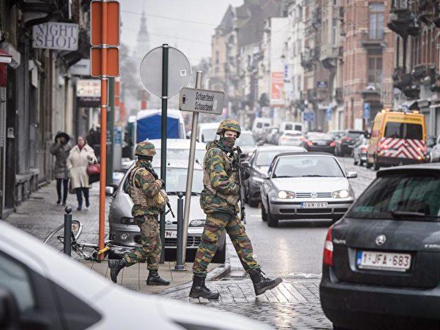 Als Urheber der Terrorserie von Brüssel werden zwei Brüder identifiziert. Die Fahndung nach weiteren Tätern läuft. Foto: Christophe Petit Tesson/dpa