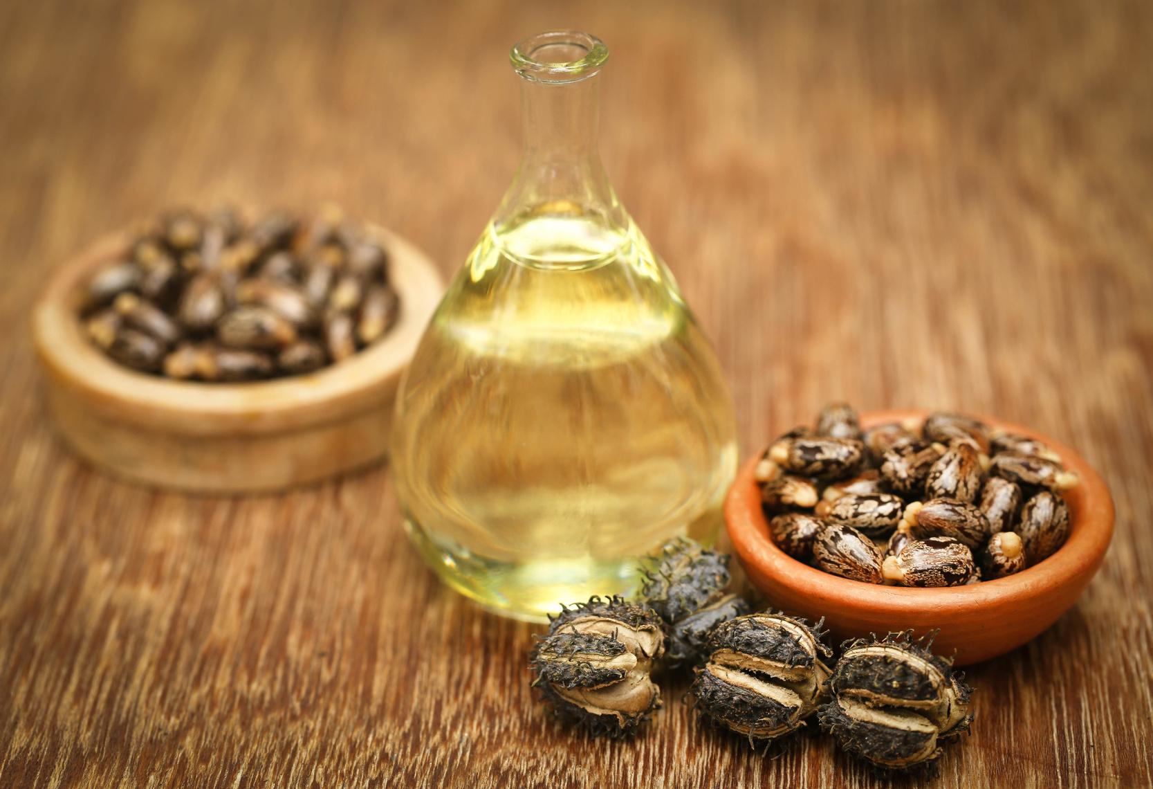 Rizinusöl ist ein natürliches Wundermittel für schöne Wimpern