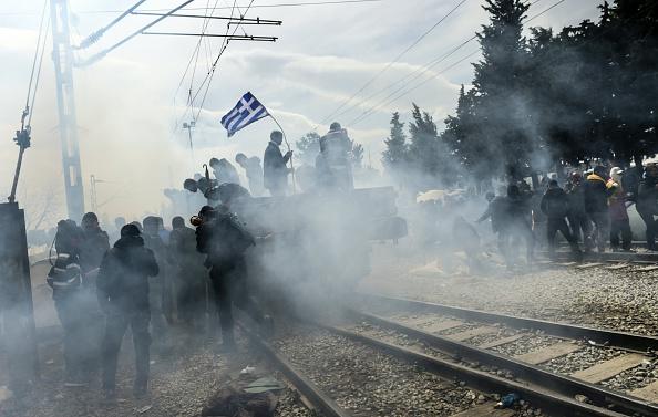 Rammbock-Aktion in Idomeni am 11. April.
