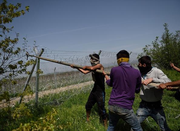 """""""Kleinere"""" Angriffe auf die mazedonische Grenze am Mittwoch"""