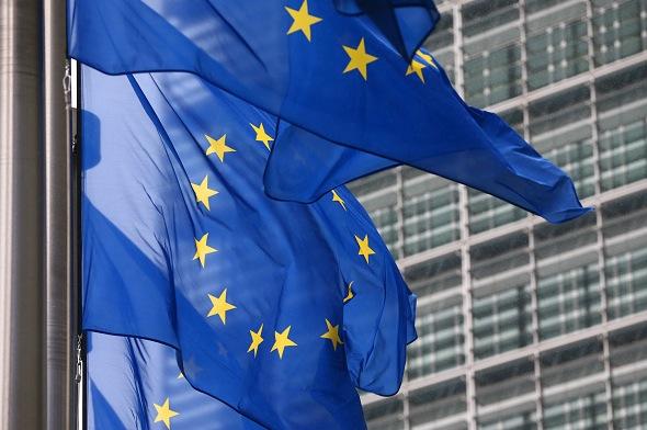 EU-Fahnen in Brüssel Foto: Carl Court/Getty Images