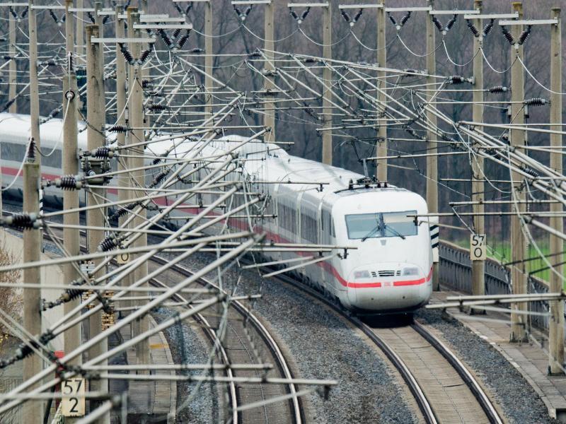 Mehrheit der Bahn-Mitarbeiter will mehr Urlaub statt mehr Geld