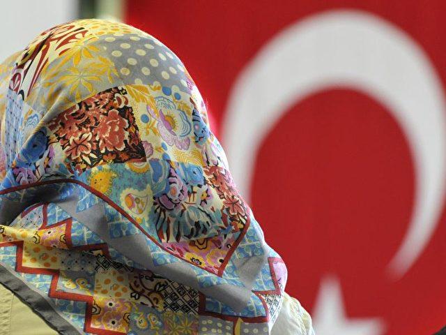 Insgesamt soll die türkische Religionsbehörde rund 970 Imame nach Deutschland entsandt haben. Foto: Boris Roessler/dpa