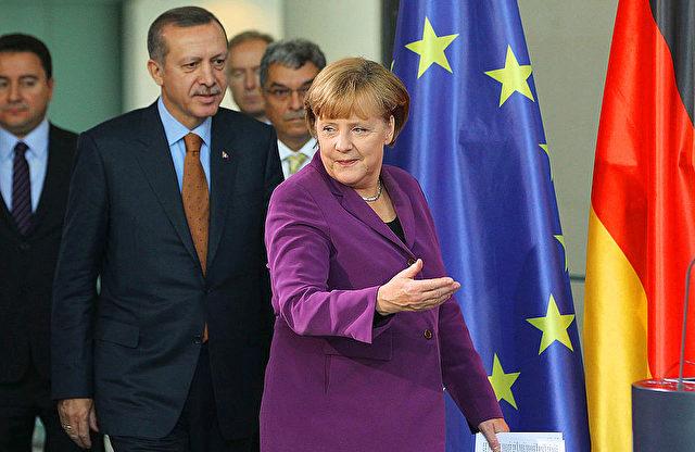 Kanzlerin Angela Merkel und der türkische Staatsführer Erdogan Foto: Sean Gallup/Getty Images