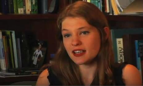 Kristen Courtney hat sich mit rohem Cannabissaft von unzähligen Zivilisationskrankheiten geheilt. Foto: YouToube-Screenshot