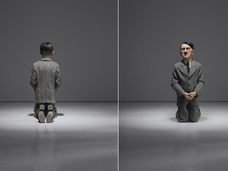Kniender Hitler: Bizarr-Skulptur für 17,2 Millionen Dollar versteigert