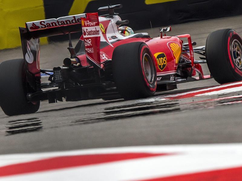 Vettel-Bestzeit im ersten Training