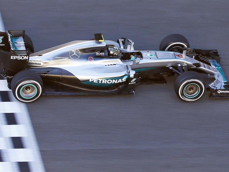 Rosberg knapp mit Tagesbestzeit in Spanien