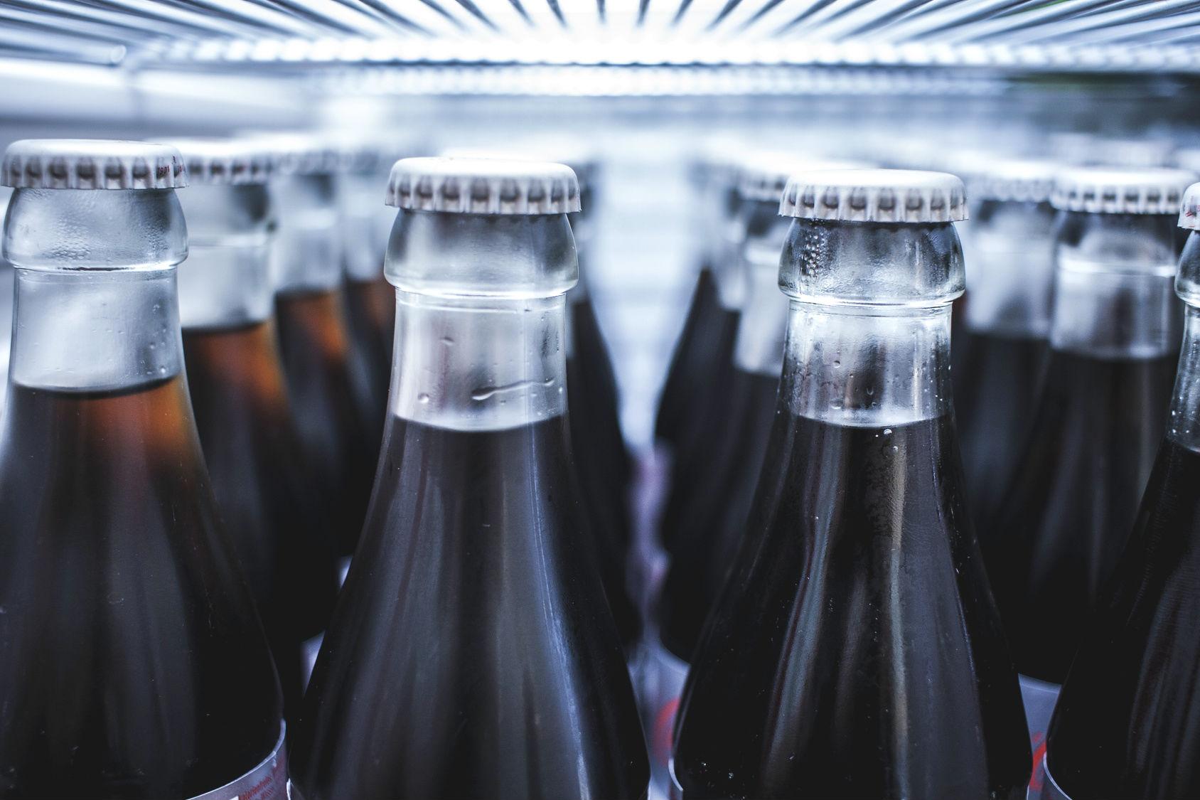 Süße Softdrinks: Wie Cola & Co. die Gesundheit schädigen (+Video)