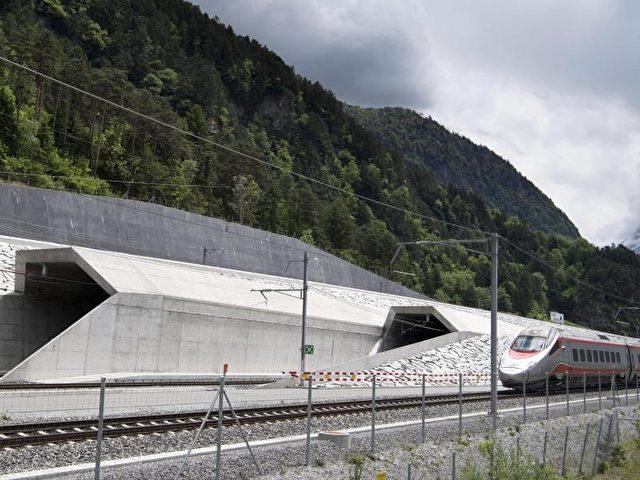 Neuer Gotthard Tunnel Wird Eröffnet Längster Eisenbahntunnel Der Welt