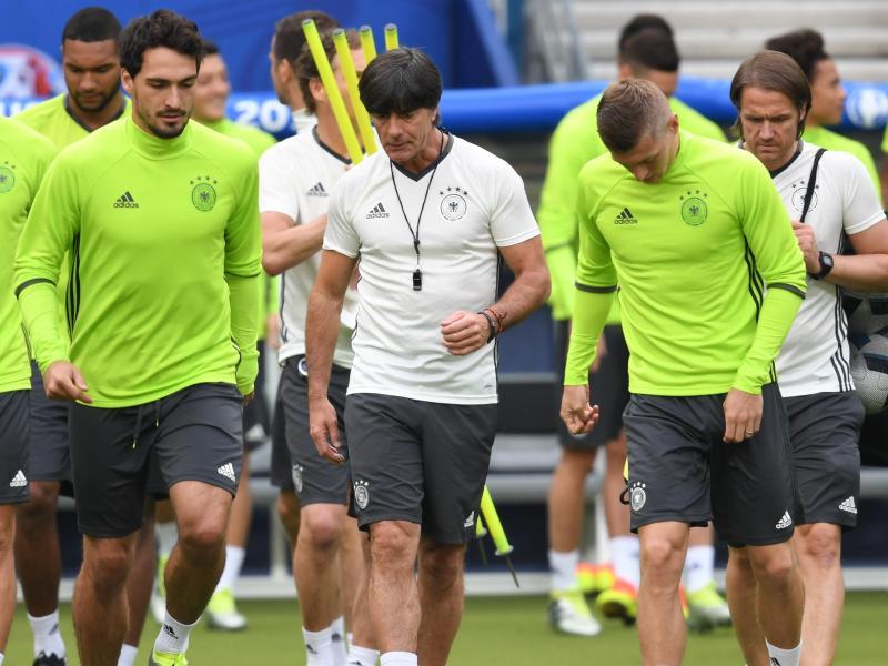 Deutsche Nationalmannschaft mit Hummels gegen Polen