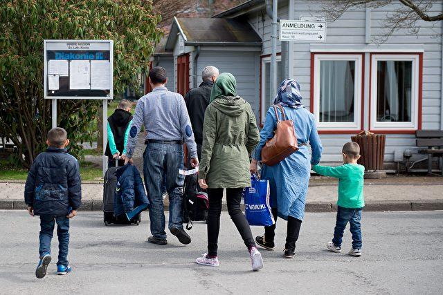 Syrische Einwanderer in Friedland bei Göttingen, April 2016 Foto: SWEN PFOERTNER/AFP/Getty Images