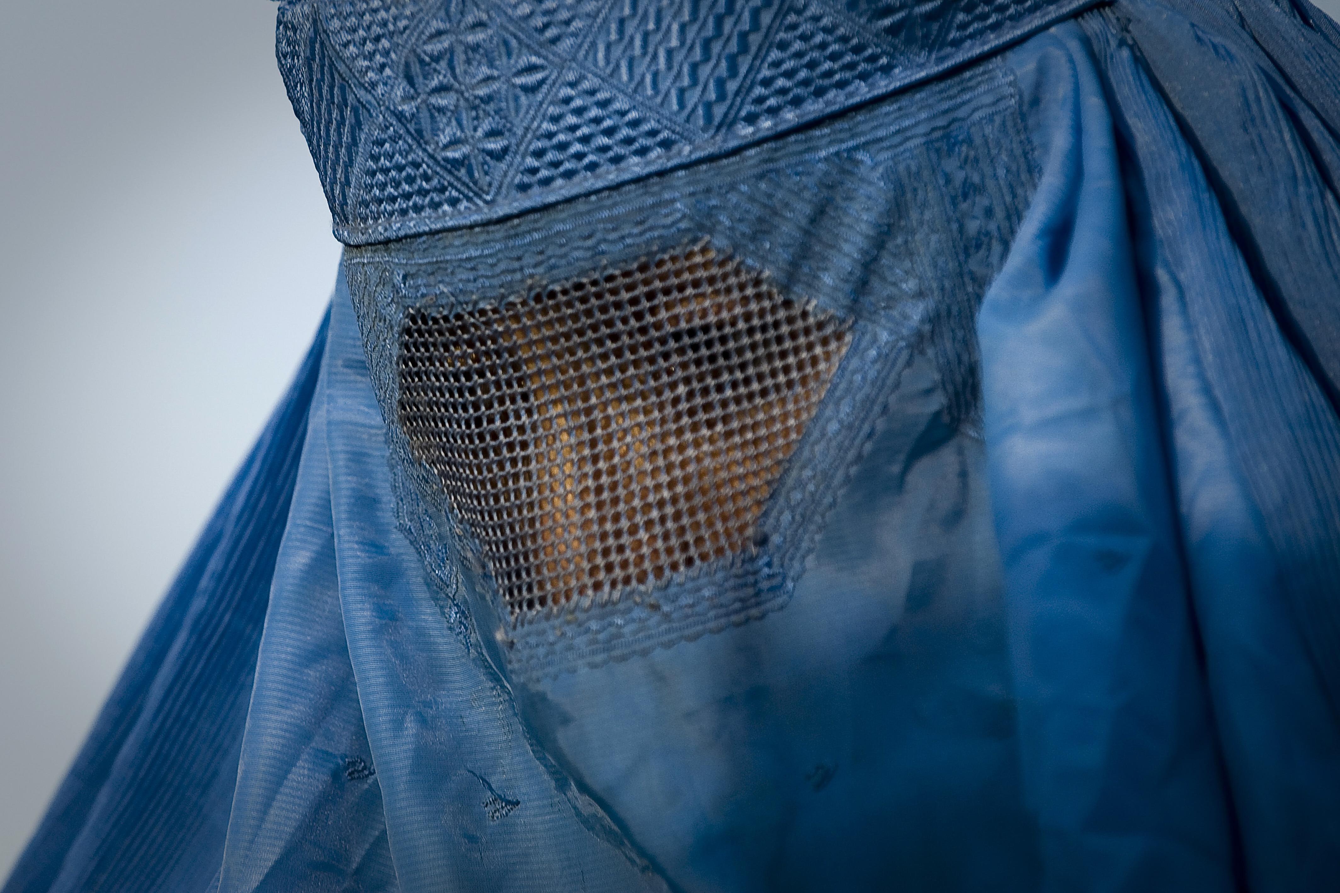 Schweizer Nationalrat beschließt landesweites Burka-Verbot