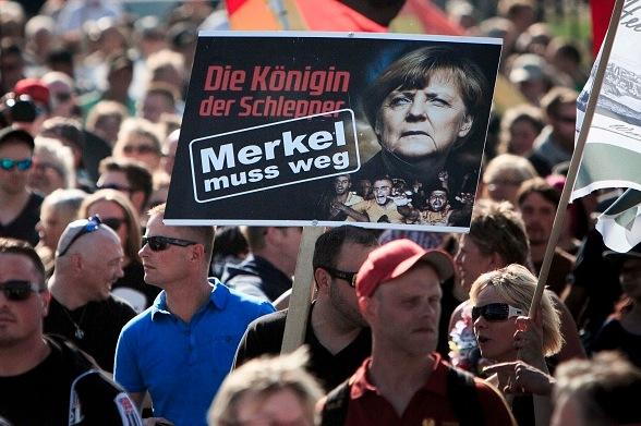 """Kritiker: Deutsche wollen """"Befreiung aus EU-Sklaverei"""" – Merkels Flüchtlingspolitik Schuld am Brexit"""