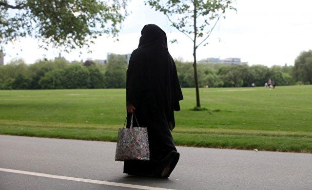 Frau mit Burka Foto: über dts Nachrichtenagentur