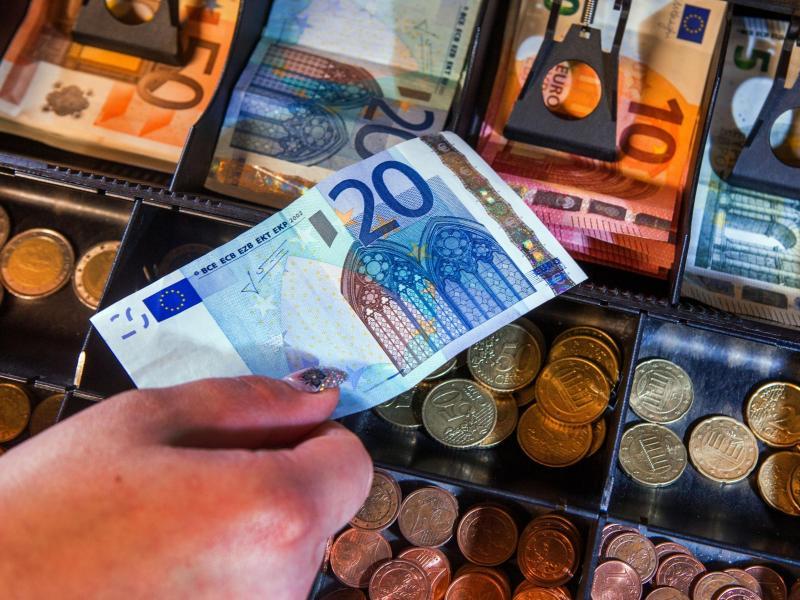 Kampf gegen Geldwäsche und Terrorismusfinanzierung: EU will das Bargeld abschaffen