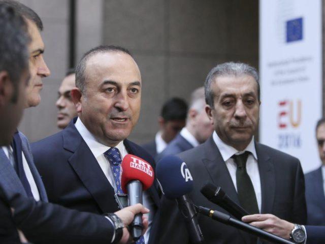 Der türkische Außenminister Mevlüt Cavusoglu machte deutlich: Ohne Visafreiheit platzt der Flüchtlingspakt mit der EU. Foto:Olivier Hoslet/Archiv/dpa