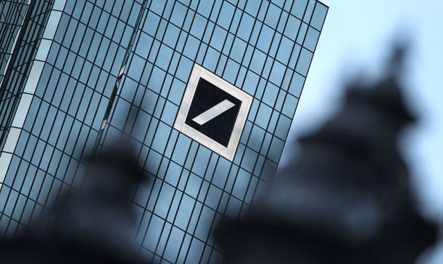Deutsche Bank in Schieflage. Foto: DANIEL ROLAND/AFP/Getty Images
