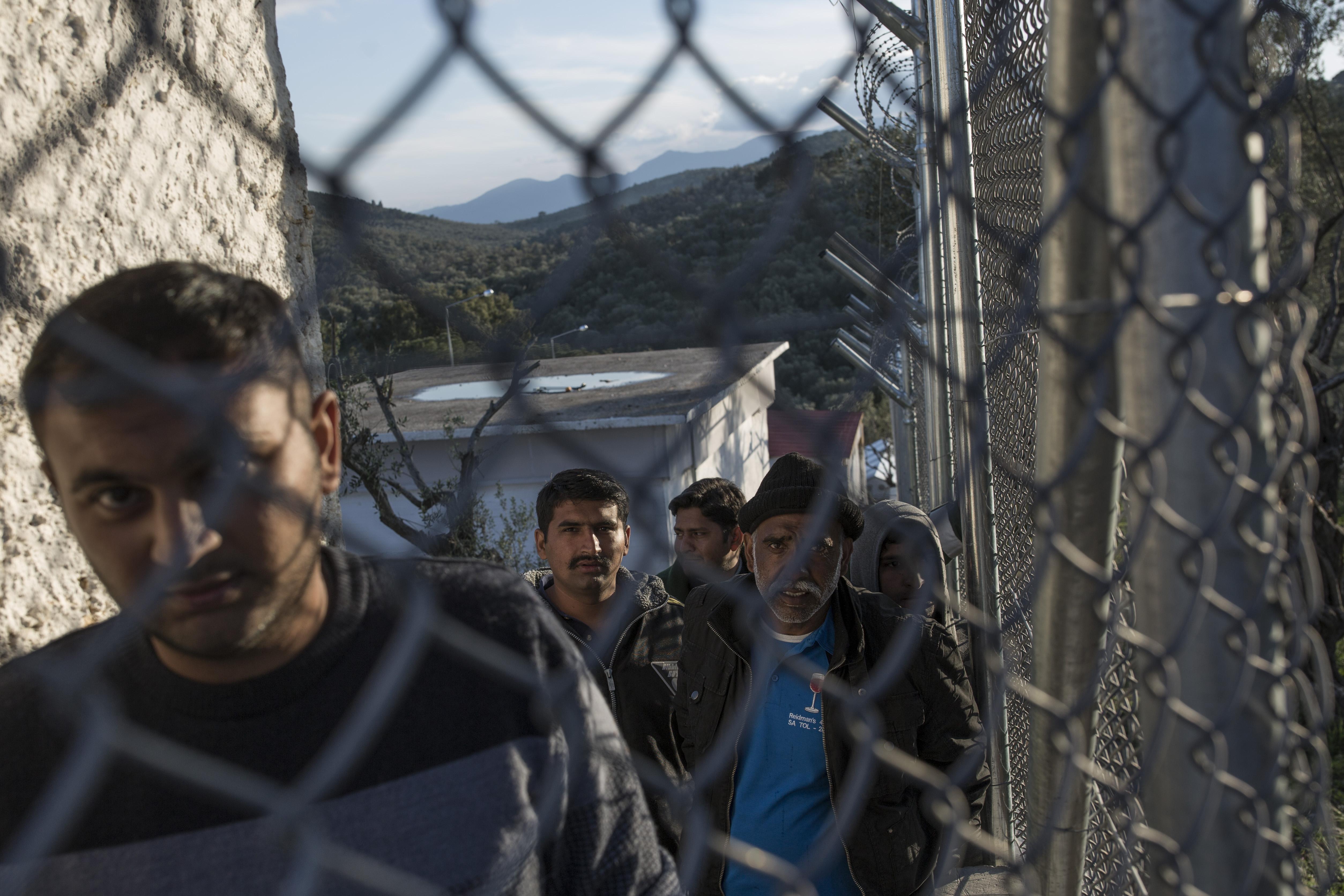 Griechenland plant große Flüchtlingslager: Platzen des Türkei-Deals befürchtet