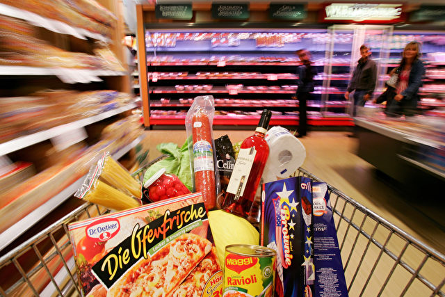 LUNEBURG, GERMANY - JULY 26:  In this photo illustration, a shopping cart carries groceries inside a supermarket on July 26, 2005 in Luneburg, Germany. Sparked by the election manifesto of the opposition party CDU, Germany currently debates whether raising the Mehrwertsteuer (VAT) would in fact promote economic growth or if it would have the opposite effect by hurting families and low-income households.  (Photo by Andreas Rentz/Getty Images)