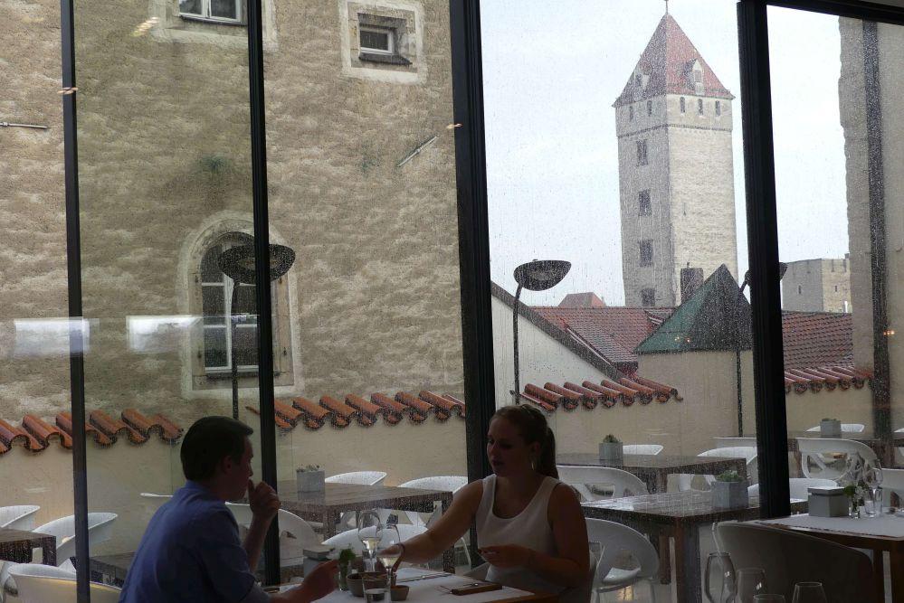 Blick über die Terrasse des Storstad-Restaurants Foto: Bernd Kregel