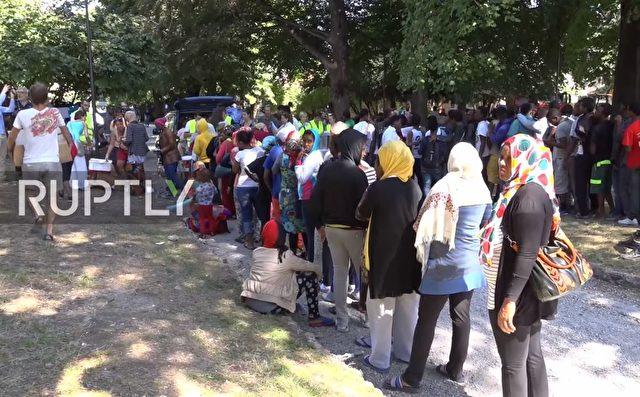 Migrantenmassen am Comer See Foto: Screenshot/Youtube