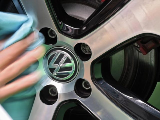 Niedersachsen sieht keinen Anlass für eine Schadenersatzklage gegen VW. Foto: Felix Kästle/dpa