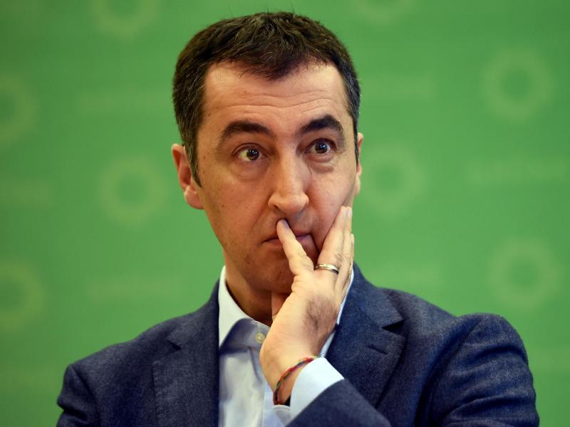 Nach Baerbock: Auch Cem Özdemir meldet Nebeneinkünfte in Höhe von 20.500 Euro nach